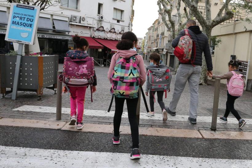 [CP] NOS ENFANTS NE PEUVENT PAS ÊTRE LES COBAYES DE L'INDUSTRIE PHARMACEUTIQUE.